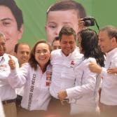 Reúne Enrique Peña Nieto a miles en Plaza Monumental