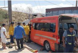 Mueren cuatro en choque frontal en Punta Prieta
