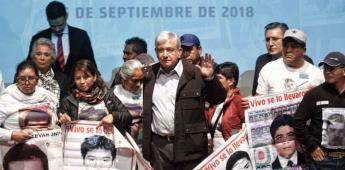Padres de normalistas de Ayotzinapa se reunirán con AMLO