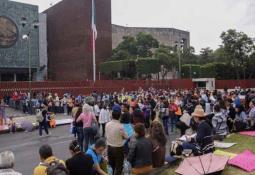 Aprovechan volcadura de camión y roban cerveza en Yucatán