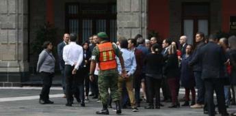 Participa AMLO en macrosimulacro en Palacio Nacional
