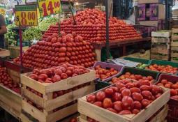 Toks refuerza apoyo económico a pequeñas comunidades
