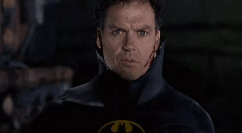 Michael Keaton en pláticas para retomar el manto del caballero de la noche