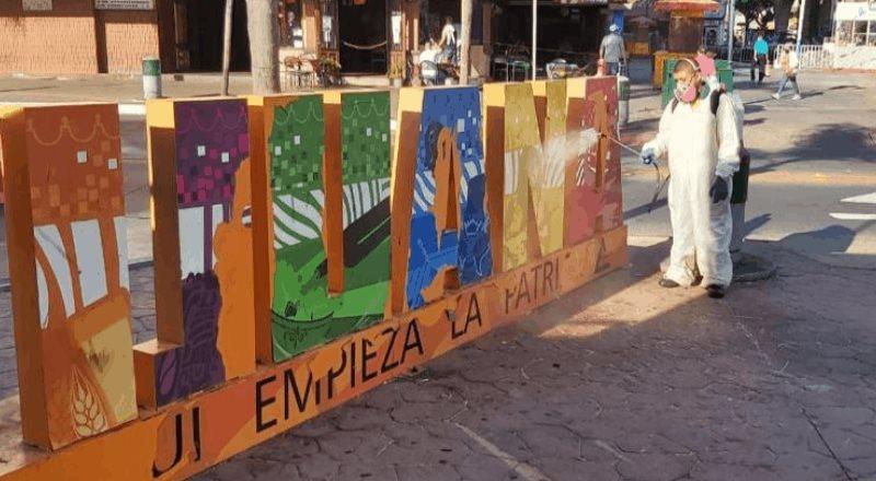 Avanza Ayuntamiento en la desinfección de espacios públicos para evitar propagación de COVID-19