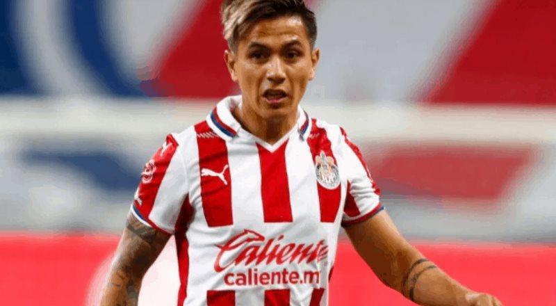 De qué es acusado el futbolista Dieter Villalpando