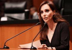 AMLO acorta discurso en Nuevo Laredo por protestas del Frenaaa
