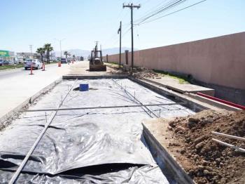 Realiza Gobierno de Ensenada reparaciones en la calle Reforma.