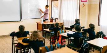Pide AMLO a escuelas particulares esperar para clases presenciales.