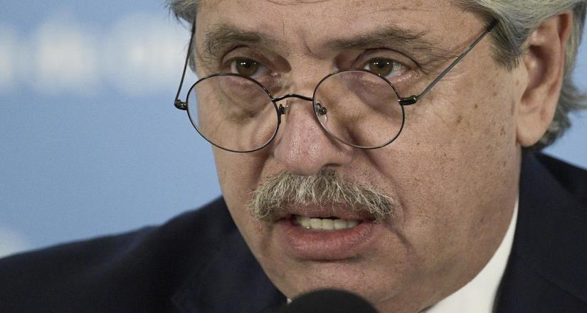 Presidente de Argentina da positivo a Covid-19; fue vacunado en enero