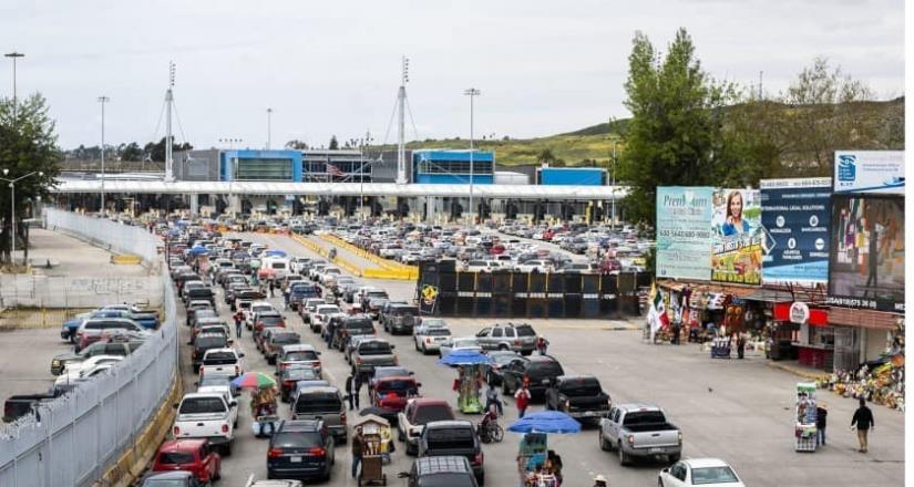 Continúan las restricciones en la frontera México-EU, confirma Ebrard