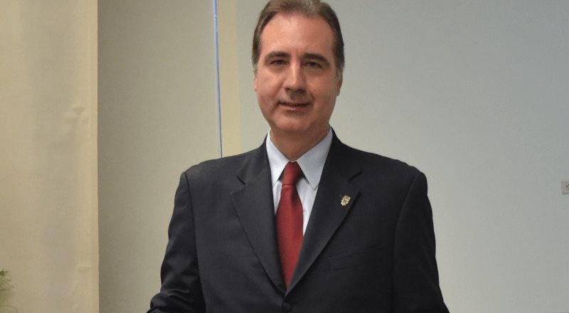 Egresado cimarrón recibe el Doctorado Honoris Causa por la BUAP