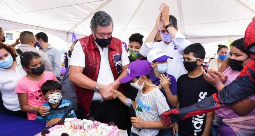 Festejó Jorge Hank Rhon a los niños de Tijuana