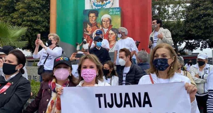 Se realizó manifestación en el Monumento al Libro frente al Club Campestre en Tijuana