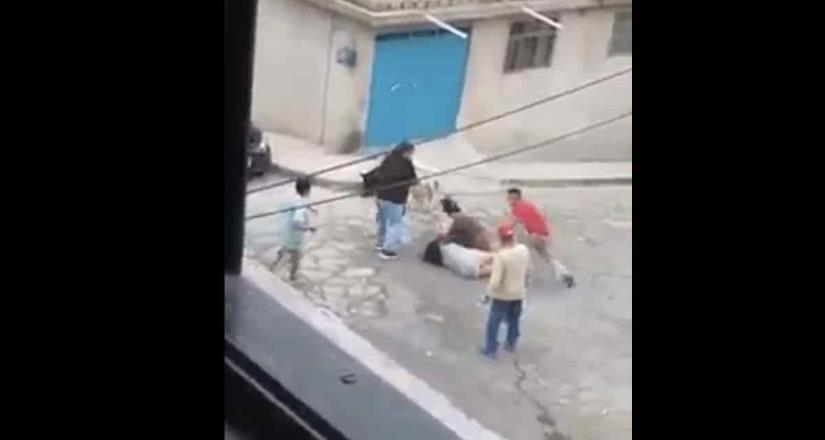 Familias pelean a machetazos en Naucalpan; mujer resulta lesionada