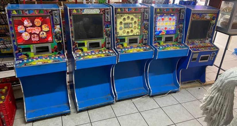 FGE realizó cateos y decomisó 9 máquinas mini casinos