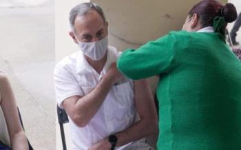 Gatell se vacuna contra Covid-19; agradezco la calidad de la atención.