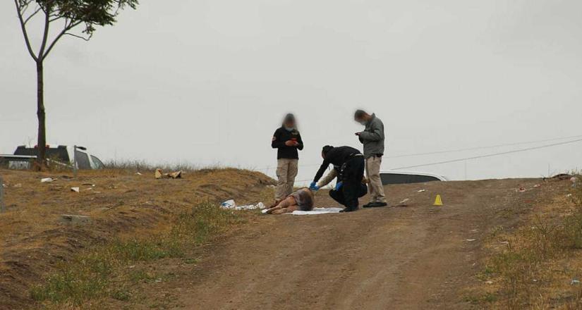 Se localizó el cuerpo sin vida de un masculino con huellas de violencia