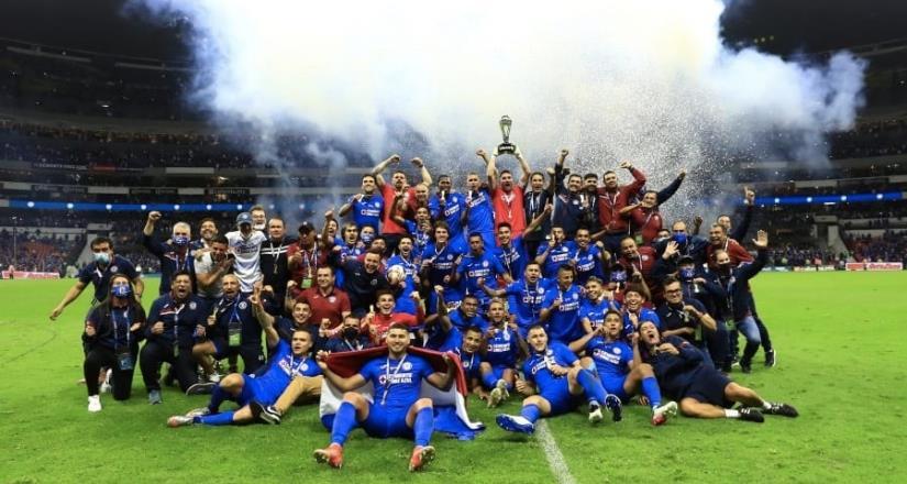 Cruz Azul rompe la sequía y es campeón de la Liga MX 23 años después