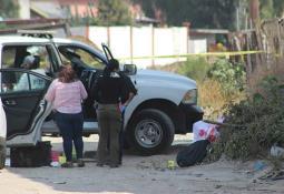 Encuentran dos cuerpos con signos de violencia en la carretera Tijuana-Tecate