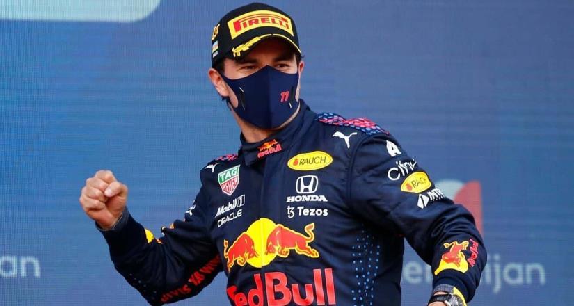 Checo Pérez sube al tercer lugar en el campeonato de F1