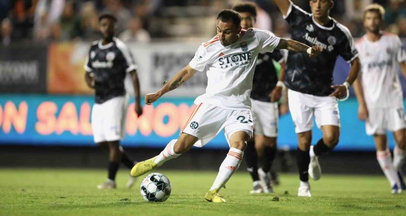 Miguel Ibarra anotó su primer gol para ayudar a SD Loyal a vencer 1-0 a Oakland Roots