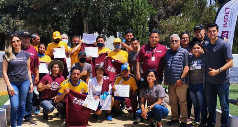 Realiza Club Tigres juego de bochas en unidad deportiva CREA