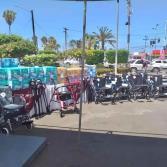 Entrega DIF Municipal aparatos de movilidad asistida y pañales a la población.