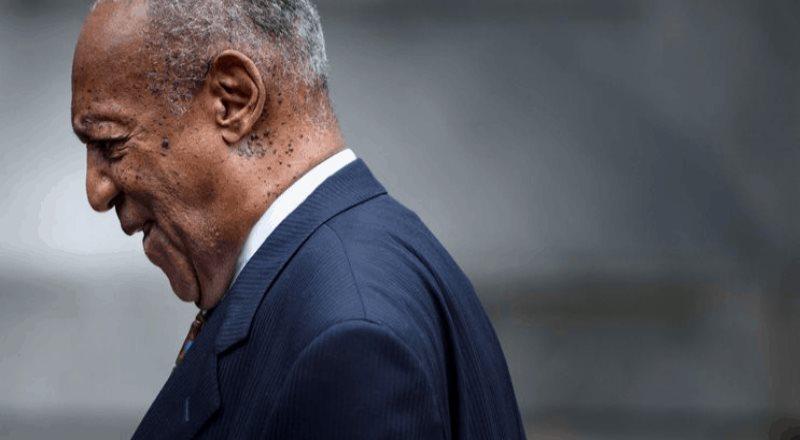 Bill Cosby sale de prisión tras anulación en condena por abuso sexual