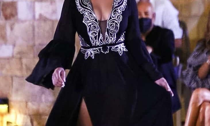 Co la colección Cabo Chic Ama Disings de Sonia Falcone luce espectacular y elegante este verano