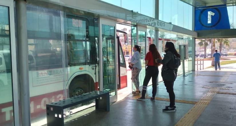 Reitera SITT uso de cubrebocas en el transporte público