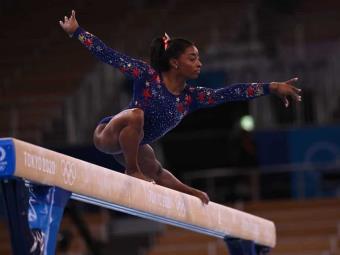 Simone Biles regresa a la competencia: Disputará la final de barra de equilibrio