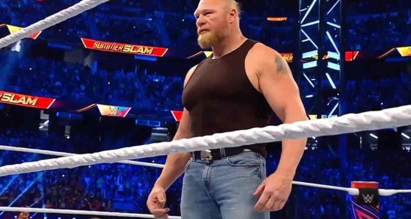 Lesnar reaparece y le roba cámara a Reigns