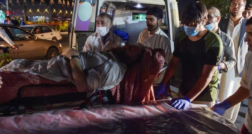 Reportan al menos 13 muertos tras ataque cerca de aeropuerto de Kabul