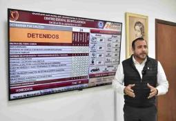 Cumple Gobernador Jaime Bonilla con entrega de permisos a choferes de Taxi de Tijuana, Playas de Rosarito y Mexicali