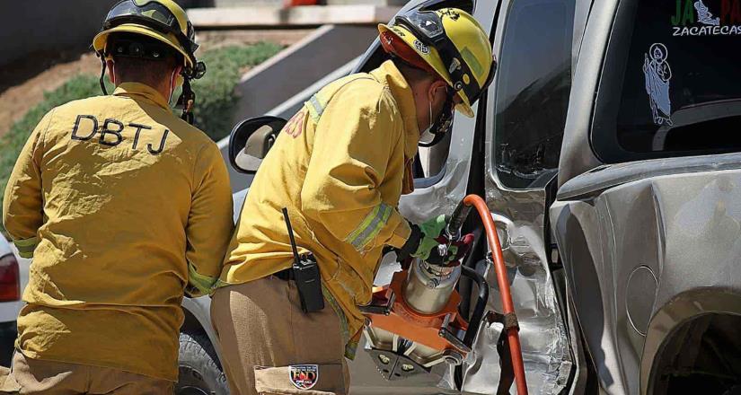 Se registró un aparatoso accidente en la carretera Tijuana - Tecate