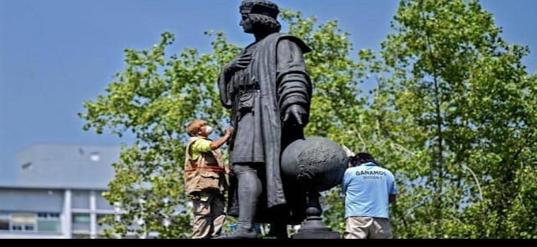 Critican reemplazo de estatua de Colón por mujer indígena