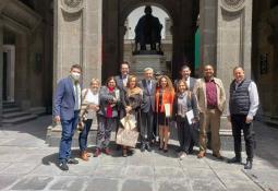 Avanza con éxito capacitación de lenguaje de señas mexicanas en Biblioteca Modelo