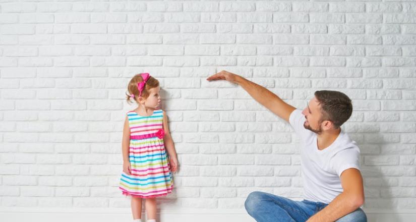 ¿Sabes cuánto debe crecer tu hijo o hija al año?