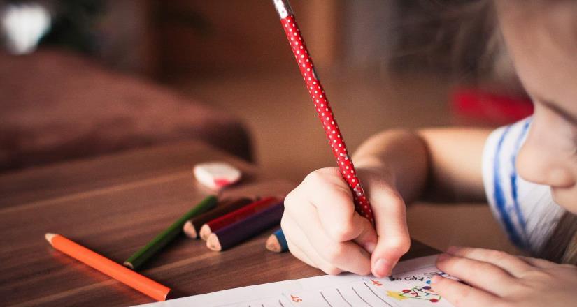 Asegura el futuro de tus hijos. Invierte en su educación a través de un seguro
