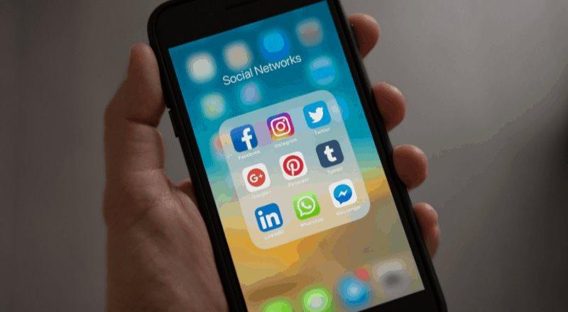 Equipos bromean por caída de WhatsApp, Facebook e Instagram