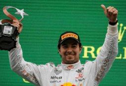 Jefe de Red Bull elogia a Checo Pérez tras subir al podio