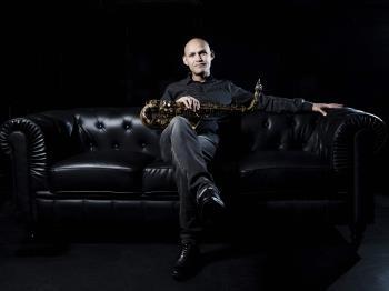 """Miguel Zenón, músico y  saxofonista puertorriqueño nominado al latin grammy por """"el arte del bolero"""""""